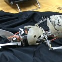 Hátborzongató robot baba