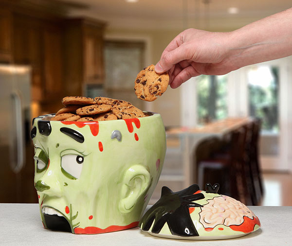 Zombifej süti tartó