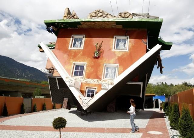 A fejreállt ház (2)